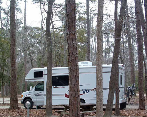 RV Camping in Corps of Engineers Parks: Guide to over 600 Corps-managed campgrounds on nearly 200 la